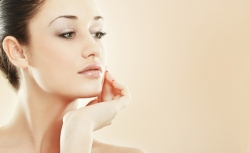 Chirurgia fetei - Tratament facial cu acid hialuronic
